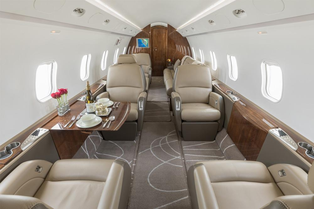 Bombardier Challenger 300 Interiour