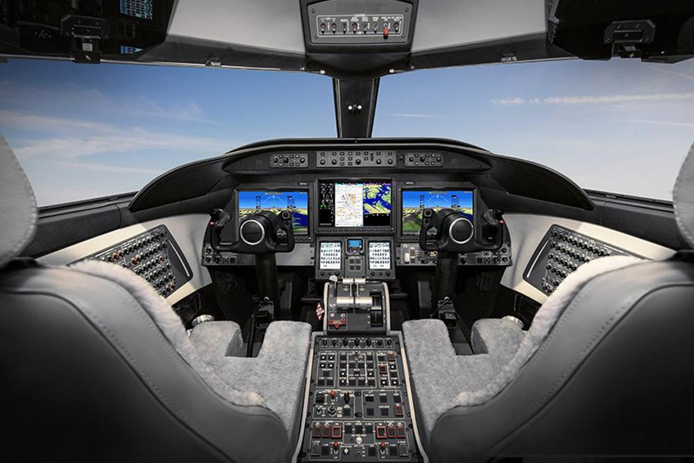Bombardier Learjet 75 Liberty cockpit