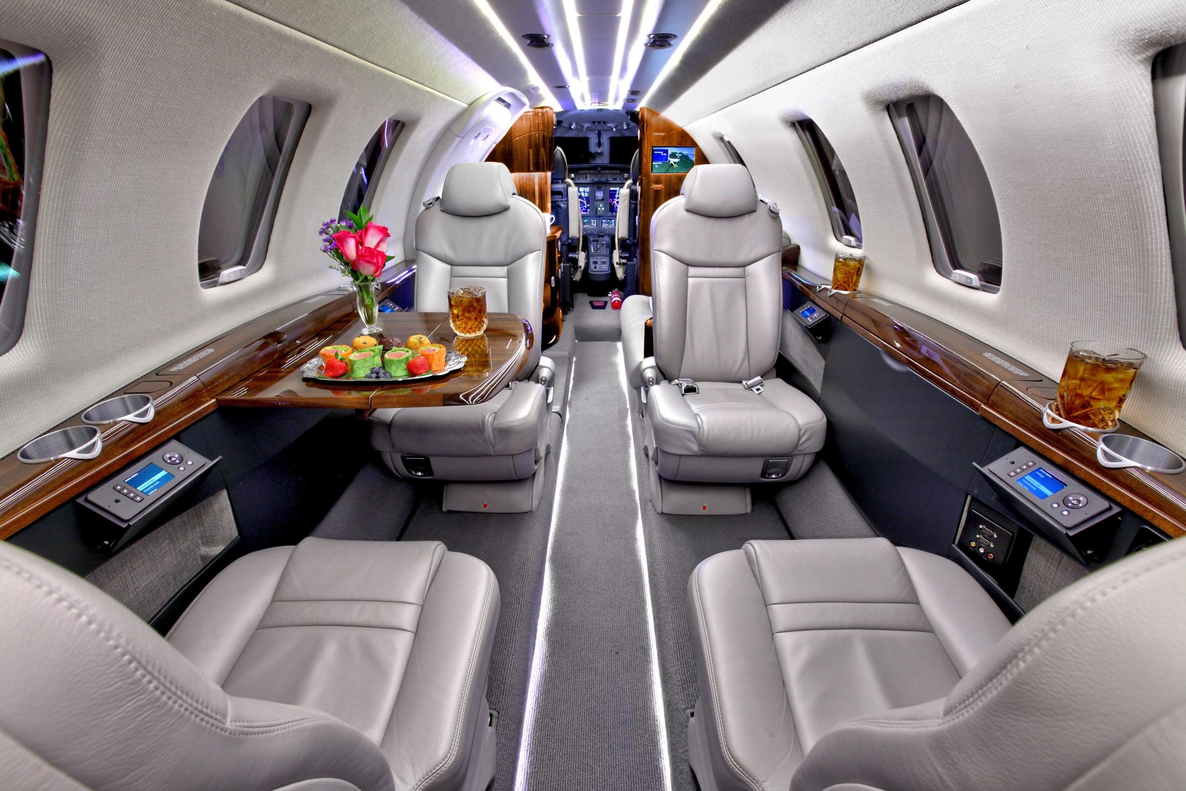 Cessna CJ4 private jet